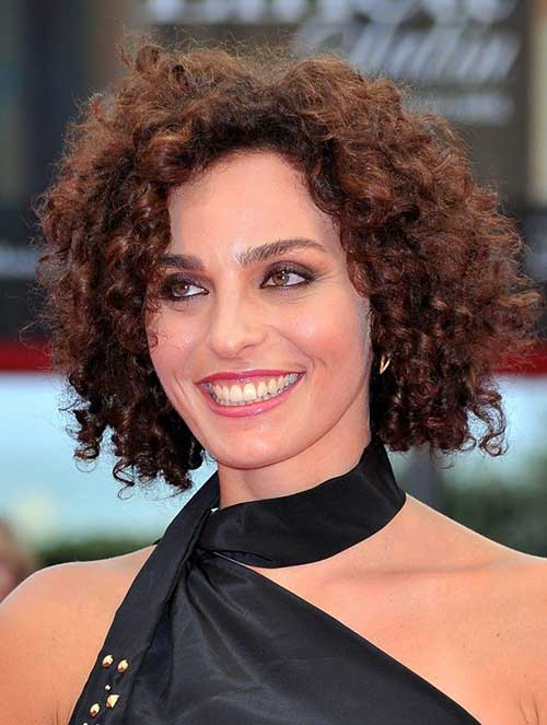 16.2015-Hairstyle-for-Curly-Hair