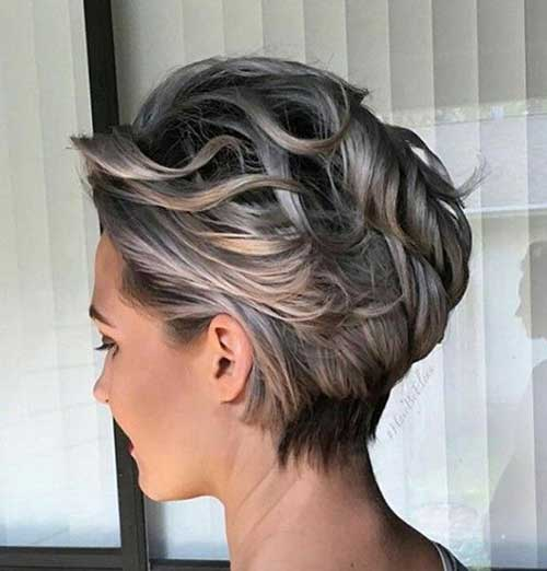 20 + Penteados Curtos do Cabelo Ondulado