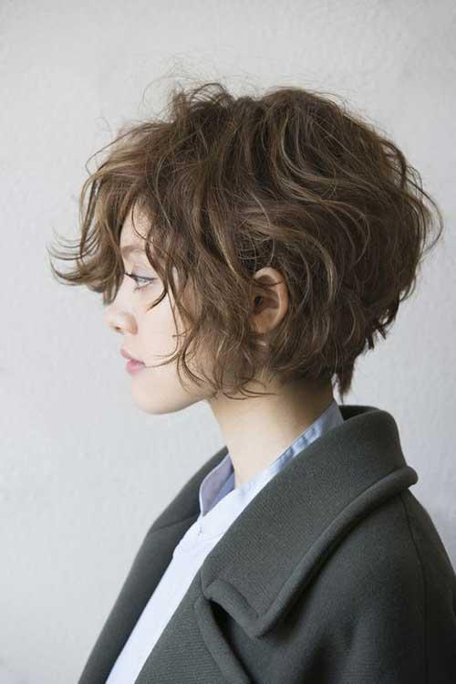 6.Wavy-Bob-Hairstyle