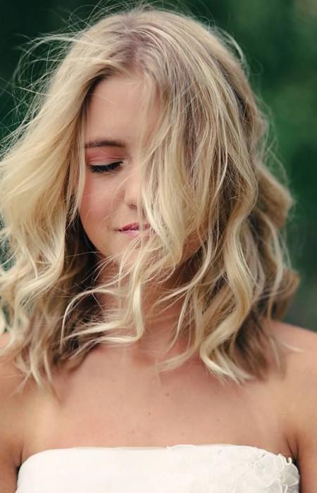 cabelos de comprimento médio ondulado para meninas 2016