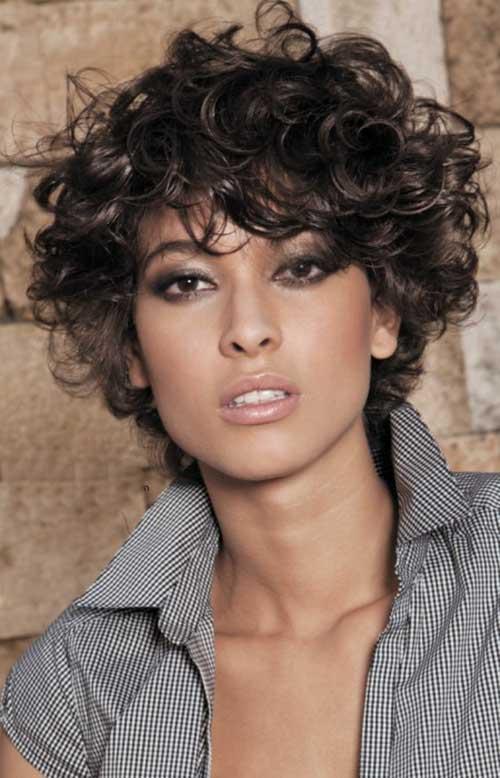 20 Most Beautiful curto encaracolado Penteados