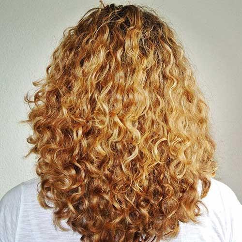 19.Long-Layered-Curly-Haircut