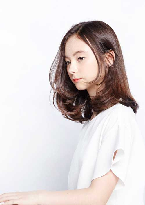 19.Medium-Long-Hair-Style