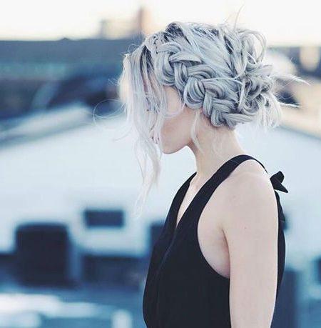 penteado trançado coroa para cabelos grisalhos
