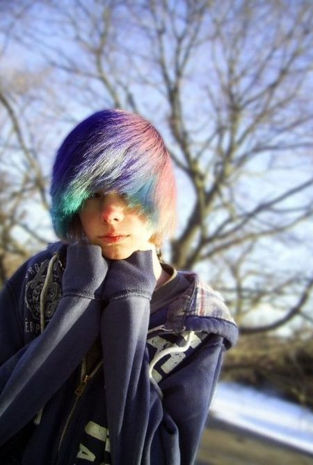 arco-íris penteado emo