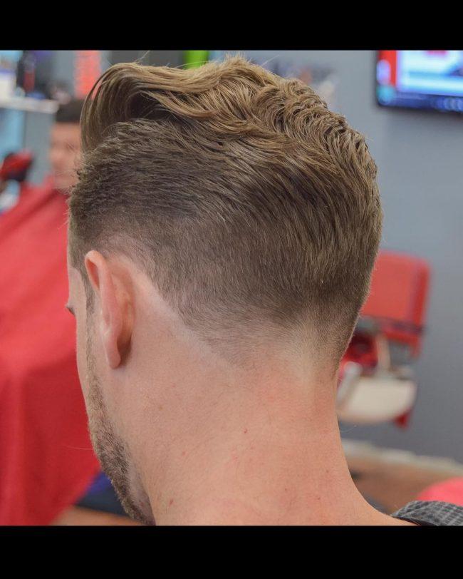 Cortes de cabelo em forma de V dos homens para 2017