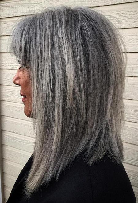 Cinza Penteados para Mulheres Maduras