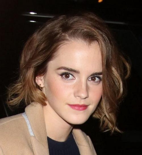 2017 Emma Watson em Camadas Cortes de cabelo Curto