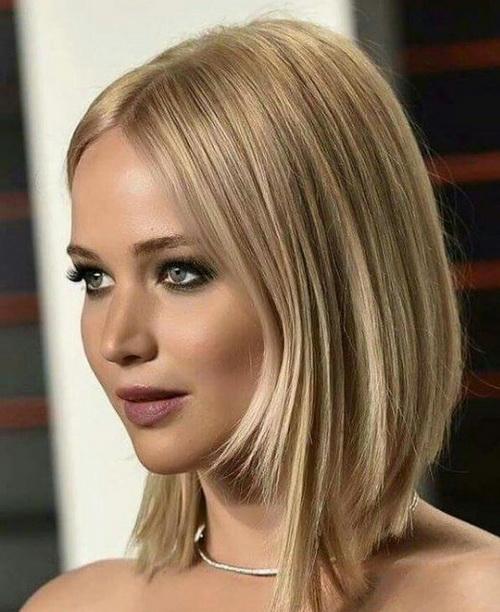 2017 Jennifer Lawrence Simétricos em Camadas Penteados Bob