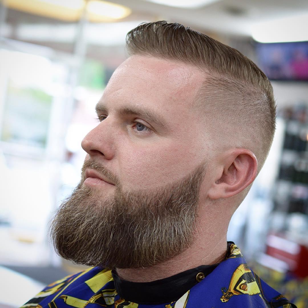 Alta Corte com Barba Espessa