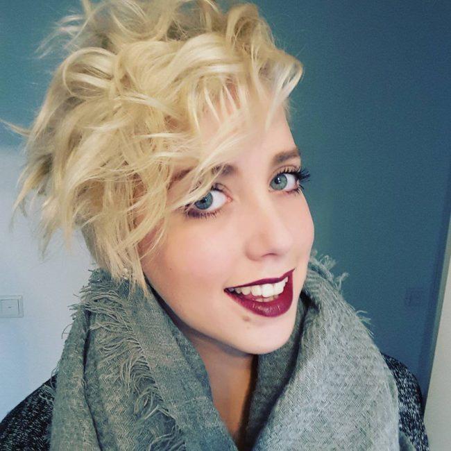 Loira Corte de cabelo Pixie