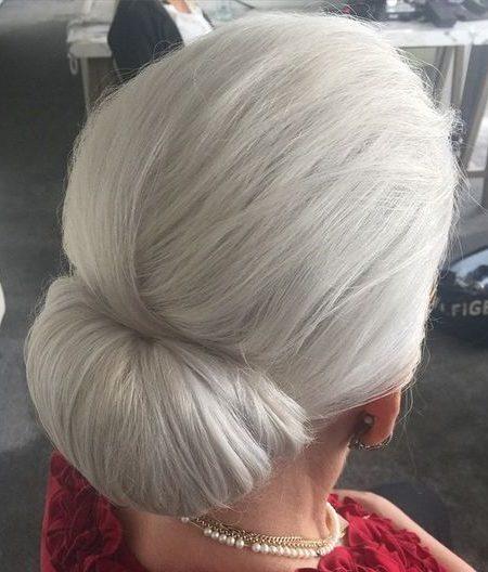 Elegante Coque para as Mulheres mais Velhas