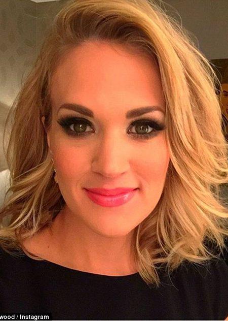 Carrie Underwood médio Comprimento de Corte de cabelo