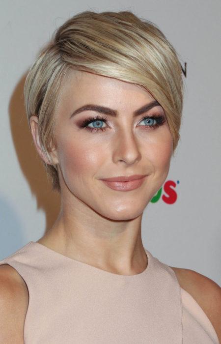 Julianne Hough Corte de cabelo Pixie