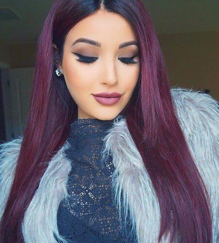 borgonha violeta a cor do cabelo