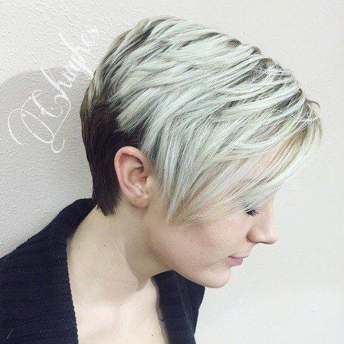 Moderno cunha de corte de cabelo com balayage