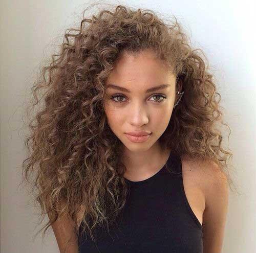 Mais natural penteado para diferentes ocasiões