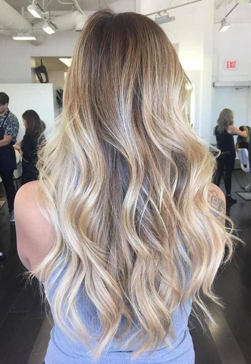 50 Super bem Longo Penteados para mulheres
