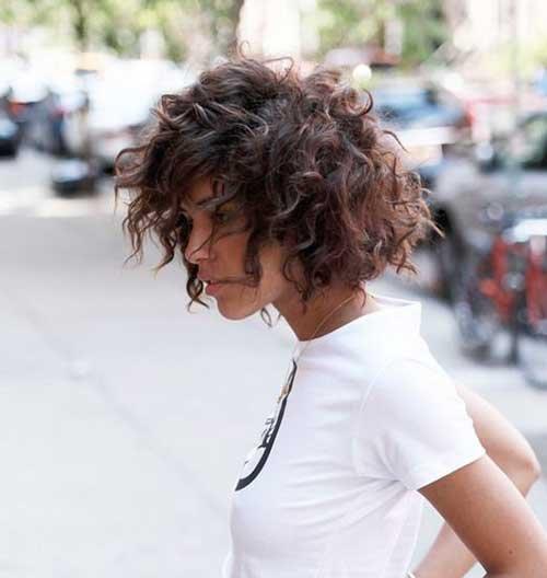Corte de cabelo curto para Cabelos Naturalmente Cacheados