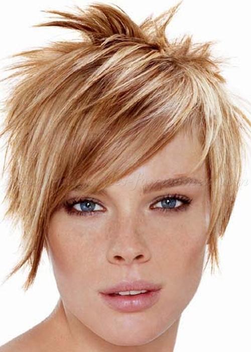 Idéias de penteado espetado para meninas de cabelo curto e ousado