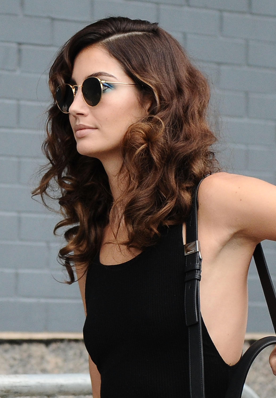 Temas diferentes do corte de cabelo do meio para meninas na moda