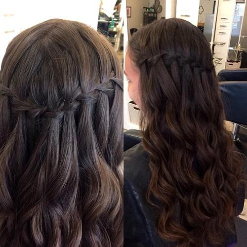 Idéias de penteado na moda muito elegante para meninas: