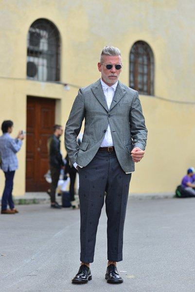 cor surpreendente do cabelo de prata do estilo de rua para homens (3)