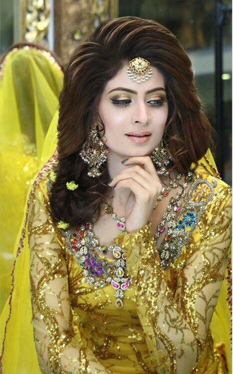 Penteados surpreendentes e na moda do casamento para noivas paquistanesas