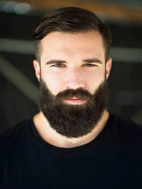 Penteado dos homens à moda com barba 2018