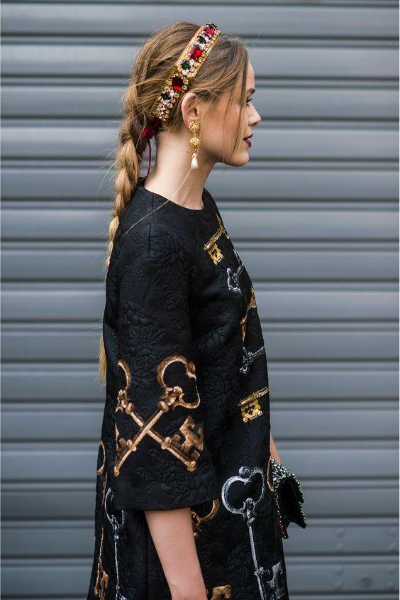Penteados diferentes e impressionantes de Kristina Bazan