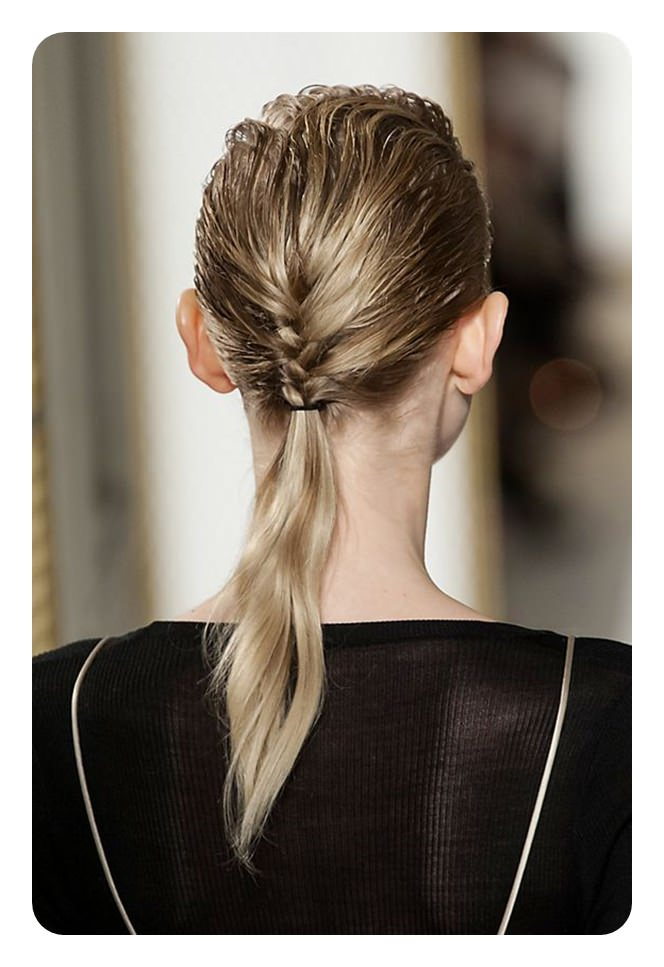 62 penteados rápidos e fáceis para cabelos molhados