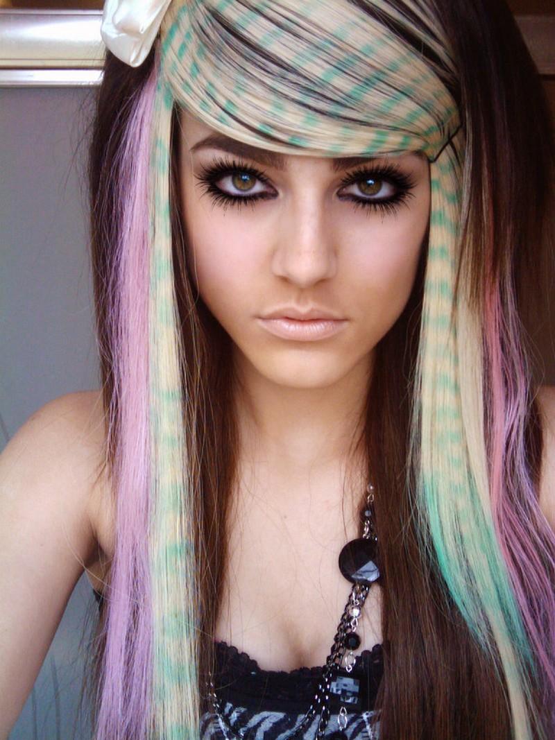 Mais recentes penteados Emo longos para as meninas