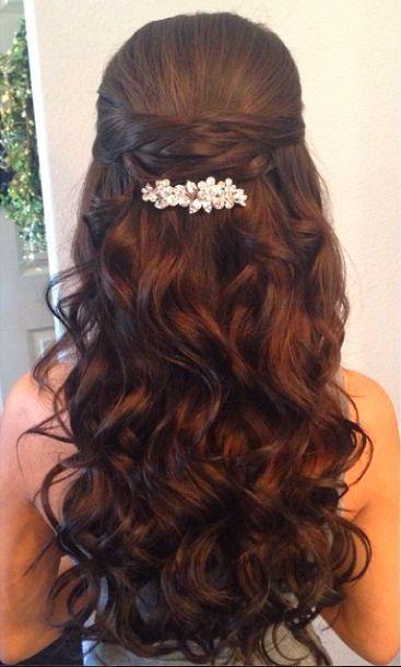Acima de metade para baixo pontas do penteado para noivas