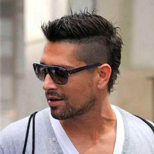 Desvanece-se penteados mohawk para homens