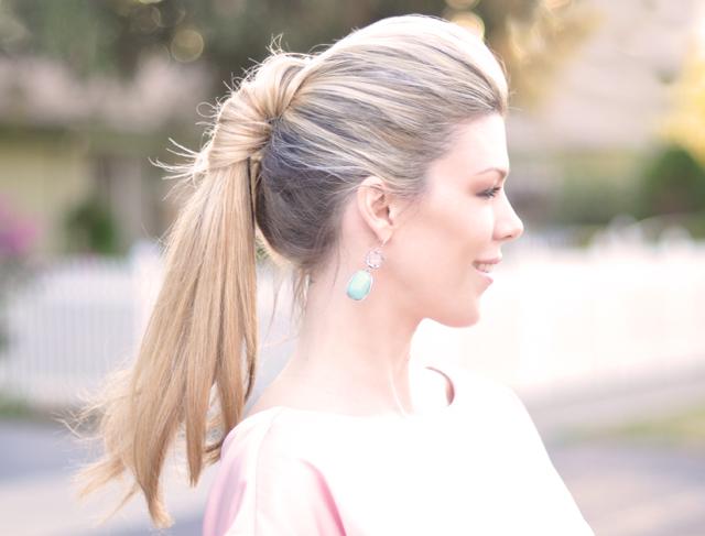 Penteados de verão bonito para meninas
