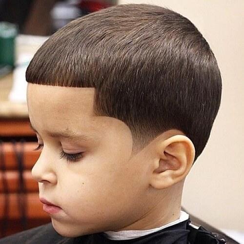 50 idéias modernas do corte de cabelo de Caesar para todos os tipos do cabelo