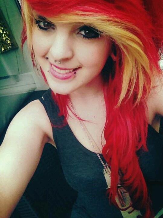 Hot Red & Blonde Emo Hair Color e destaca ideias para jovens e meninas adolescentes