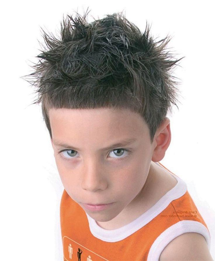 Cool boy Idéias Penteados Spiky para Meninos
