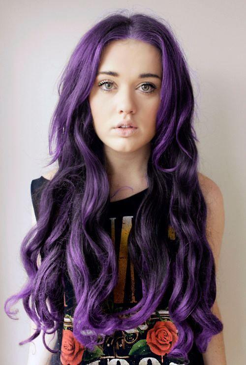 Idéias roxas surpreendentes do cabelo da cor para amantes da forma