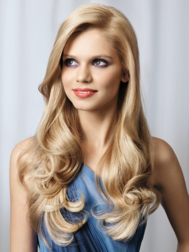 Penteados de festa na moda para cabelos longos