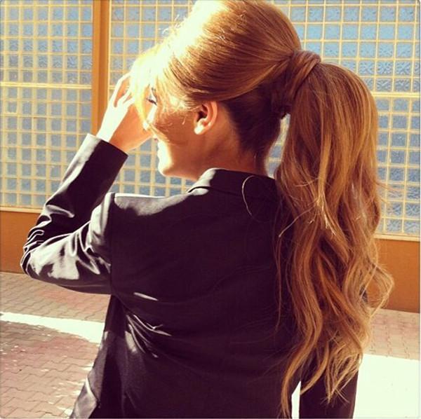 longos penteados castanhos com destaques