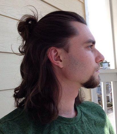 Penteados longos na moda para homens precipitados