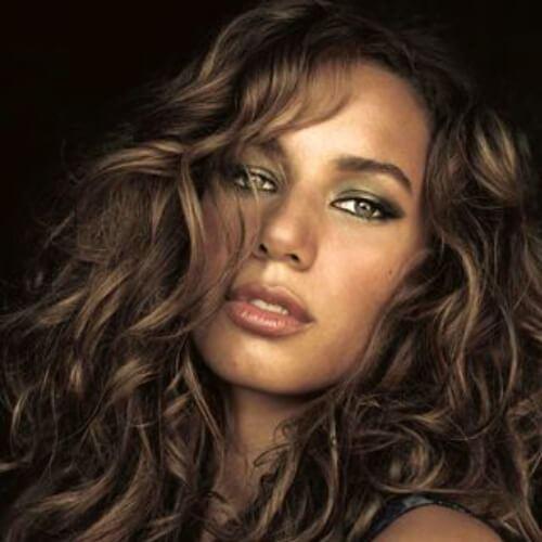 50 celebridades inspiradas penteados longos e encaracolados