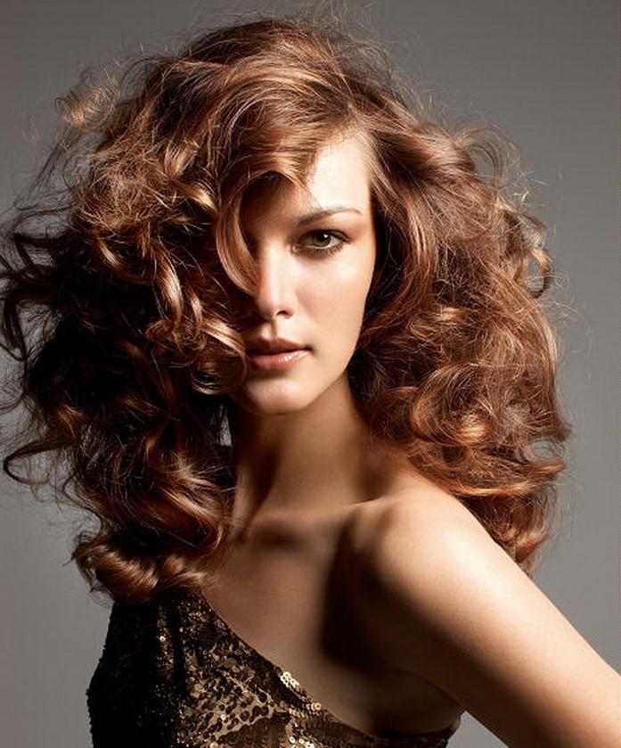 Idéias de corte de cabelo incrível para cabelos encaracolados