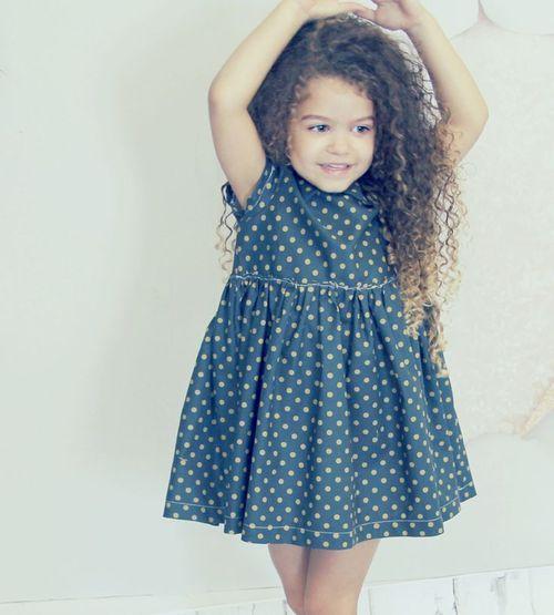 Idéias de penteados encaracolados para crianças de uma forma inovadora