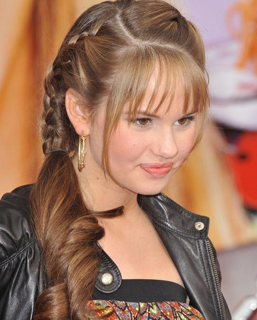 Penteados de menina de faculdade diferentes inspirados de celebridades