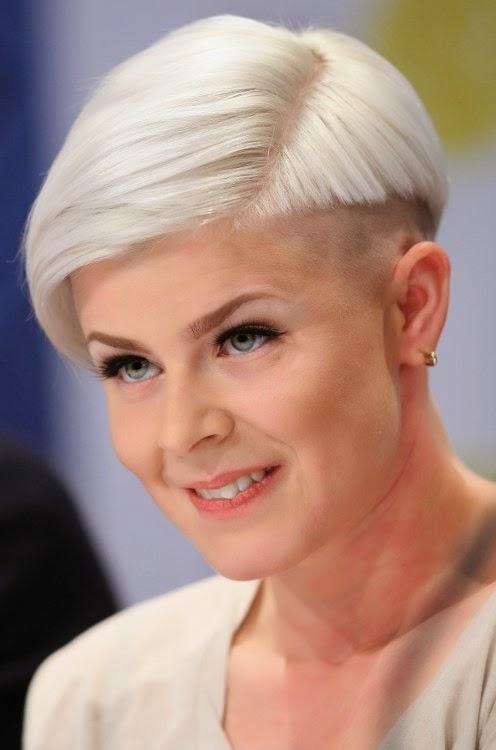 Últimas idéias de corte de cabelo curto e longo para mulheres de idade avançada