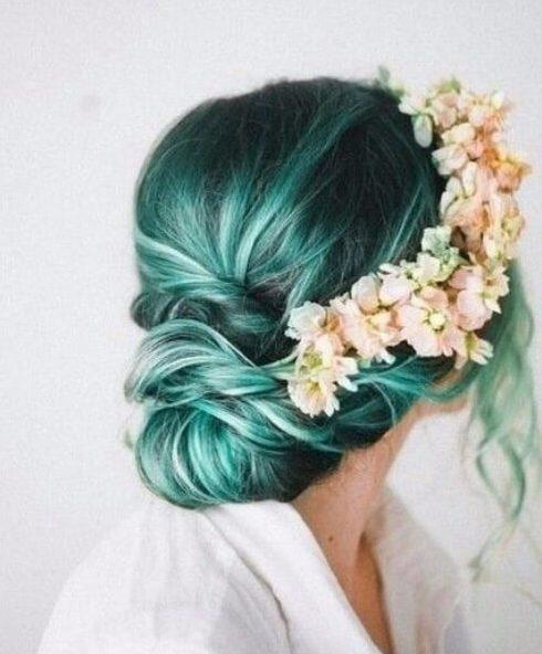 cor chique romântica do cabelo da cerceta
