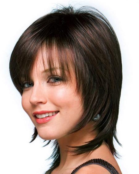 Rostos redondos adolescentes com cabelo fino olhar bonito nestes penteados