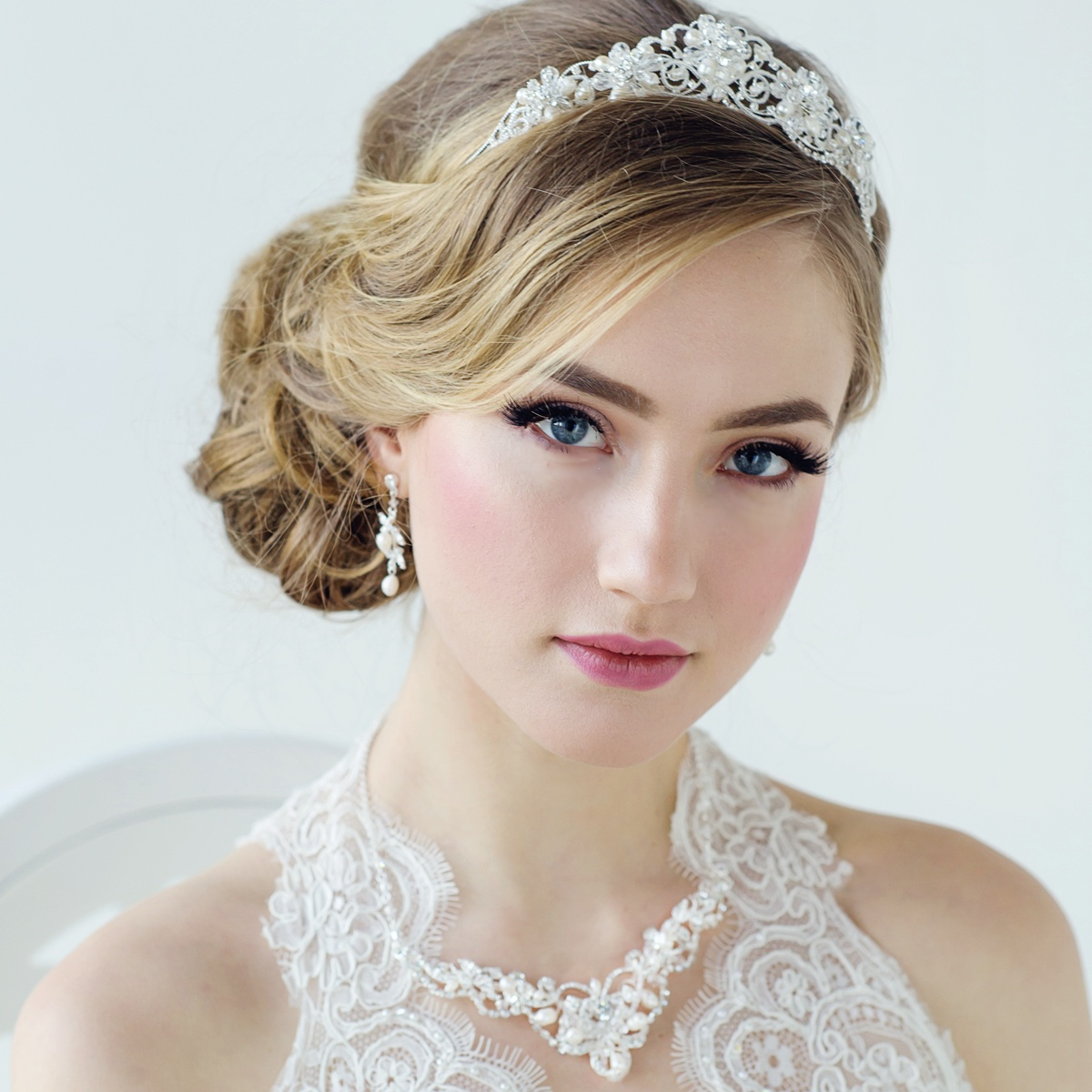 Estilo diferente do casamento mais recente Tiara Designs para noivas 2018